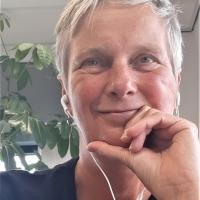 Ellen  Roest