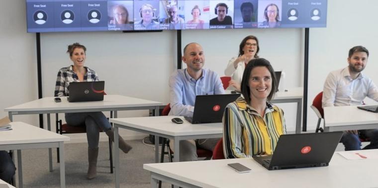 Hybrid Virtual Classroom: Synchroon fysiek en online onderwijs in één (2/2)